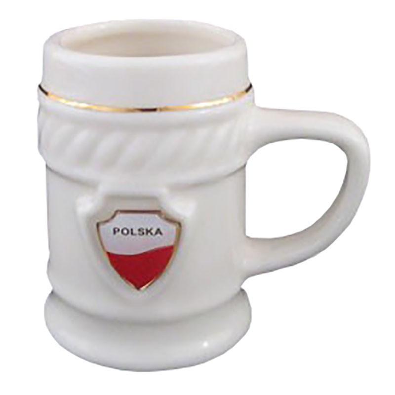 Une petite tasse avec un bouclier